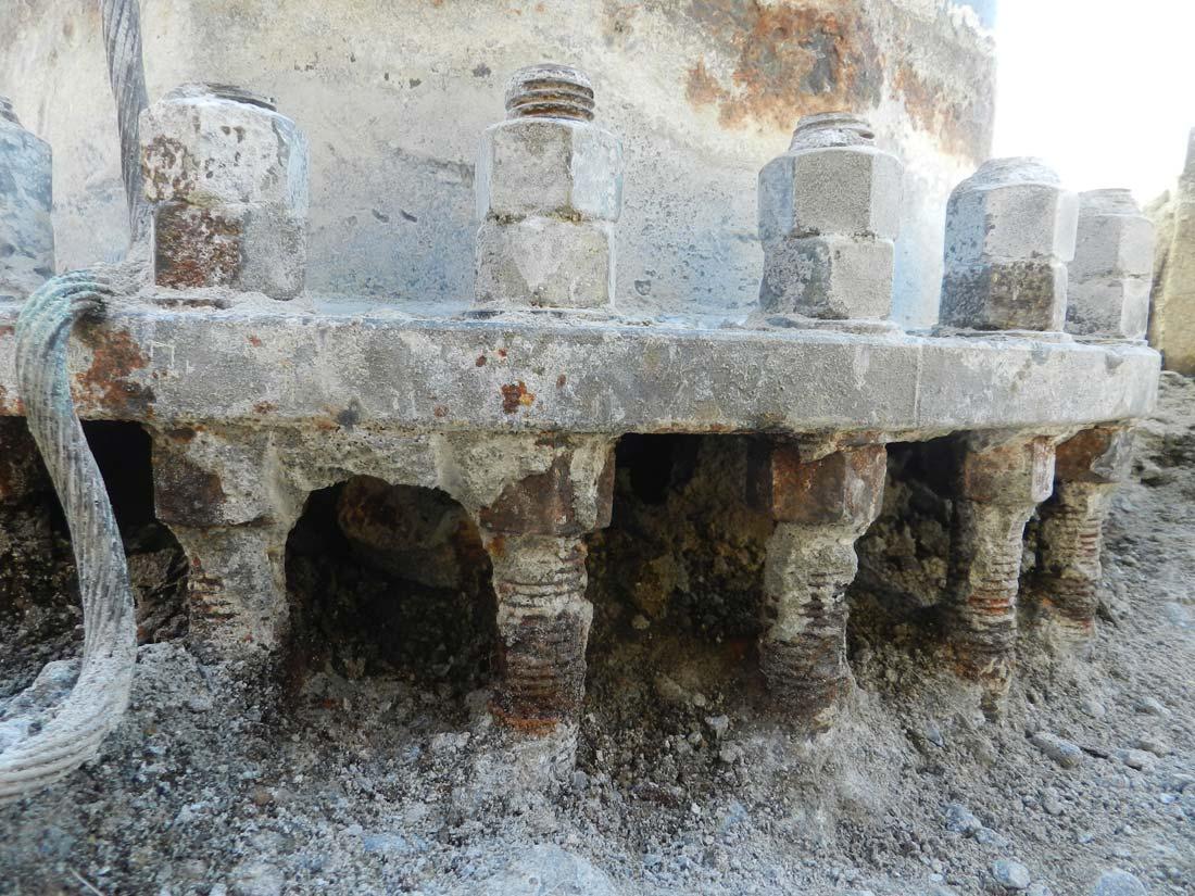 Verifiche dei sistemi di ancoraggio della torre faro