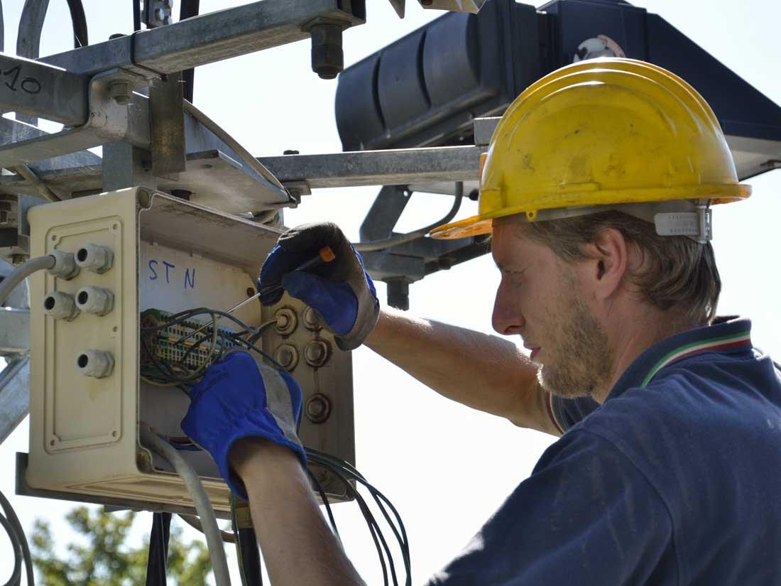 manutenzioni elettriche torri faro